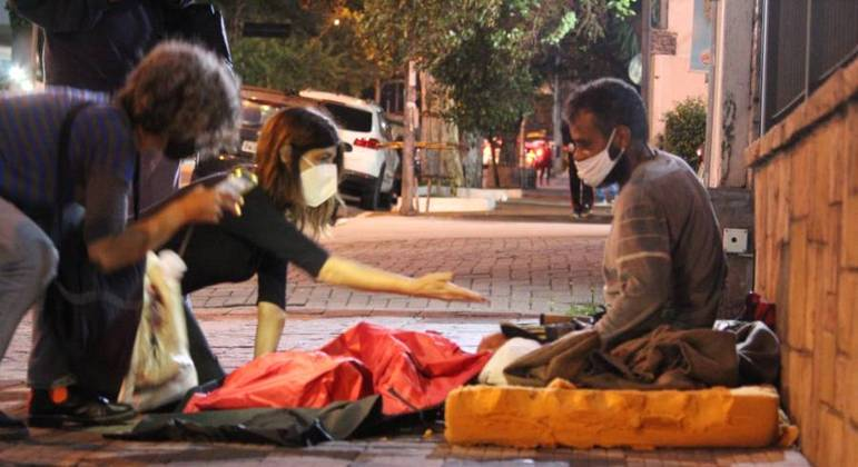 Projeto solidário ajuda a aquecer os que não têm onde morar