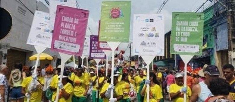 Projeto recicla mais de 14 toneladas de lixo do Carnaval