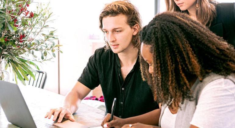 Iniciativa contou com 13 voluntários e parceria com o Instituto da Oportunidade Social