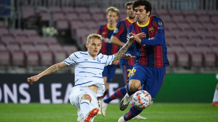 Promessa da base do Barcelona, o jovem meia Carles Aleña, de 22 anos, não rendeu o esperado para Koeman