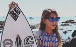Maria Clara tem 11 anos e surfa há dois anos. Mas já demonstrou ter talento e habilidade para a pratica esportiva.Com a bolsa, ela estudará inglês, comprar novas roupas de treino e pagar despesas de inscrição das próximas competições