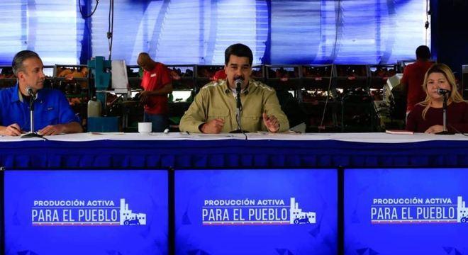 """Basta de tanta insensatez e de fanatismo ideológico"", disse Nicolás Maduro"
