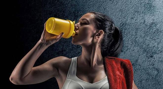proteína antes de dormir emagrece