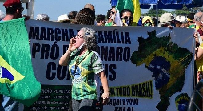 Movimento a favor de Bolsonaro é o assunto mais comentado no Twitter