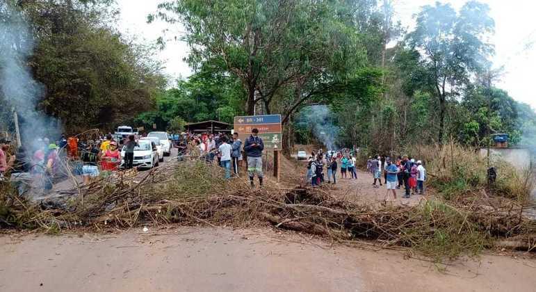 Atingidos pelo rompimento da barragem terão auxílio por mais 2 meses