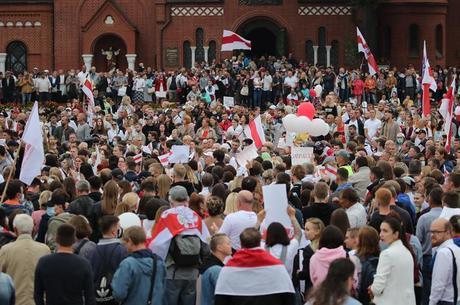 Milhares de pessoas tomaram novamente as ruas de Belarus