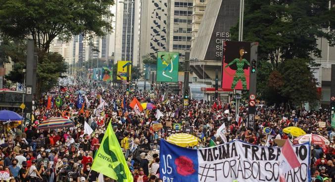 Protesto contra o governo federal na avenida Paulista, em São Paulo (SP)