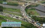 Um dos pontos de bloqueio foi no Complexo Viário Heróis de 32, conhecido como Cebolão, que liga as marginais Tietê e Pinheiros, no sentido Rodovia Castello Branco, na zona oeste
