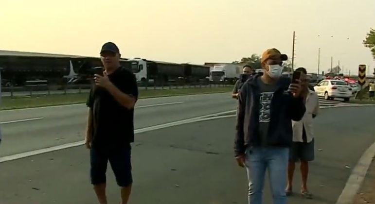 Por volta de 10h, pistas da rodovia Anhanguera foram totalmente liberadas ao tráfego