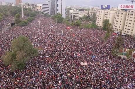 Protesto no Chile reúne mais de 800 mil pessoas