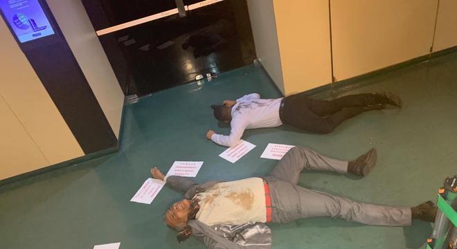 Deputado e assessor fizeram protesto contra decreto do presidente da República