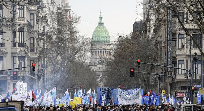 Protesto contra Macri em Buenos Aires em 2018; por se tratar de ano eleitoral, 2019 deve ter tensões sociais no país