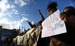 protesto contra morte de joão alberto, espancado por seguranças em um supermercado carrefour de porto alegre