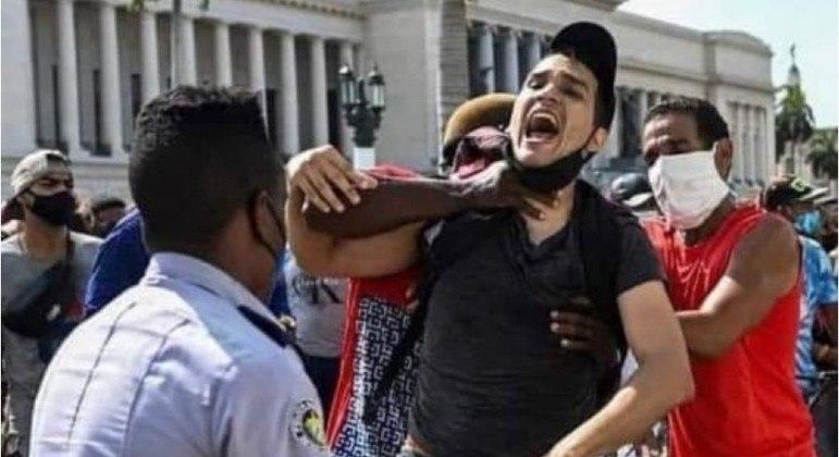 Segundo Vivanco, o estudante Rolando Remédios segue detido em uma prisão cubana