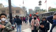 Professores fazem protesto pelas ruas de São Paulo nesta quinta (13)
