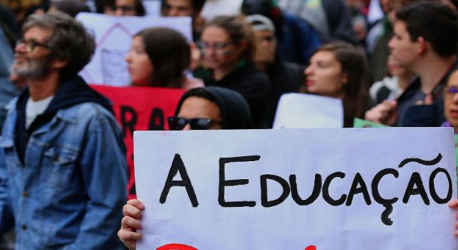 Protestos pela Educação tomaram as ruas de todo o país