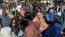 Milhares de afegãos vão às ruas do país para protestar contra talibãs