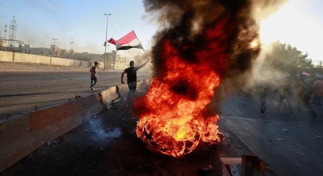 Grupos contra o governo protestaram durante toda a semana
