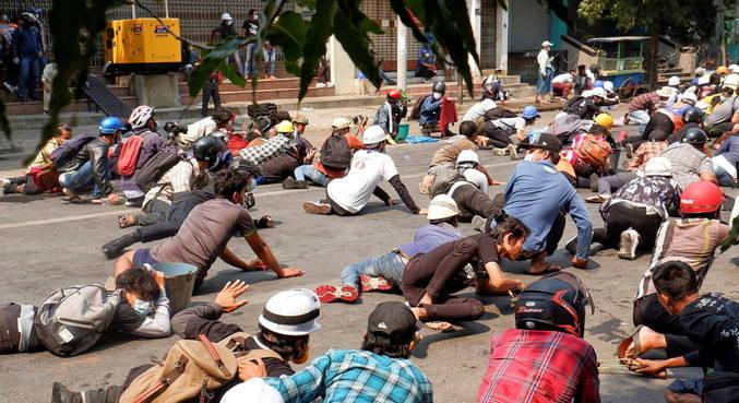 Seis manifestantes morreram em protestos em Mianmar