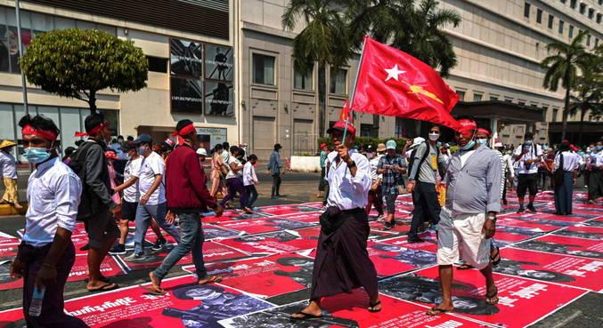 Comunidade internacional repudia o golpe em Mianmar