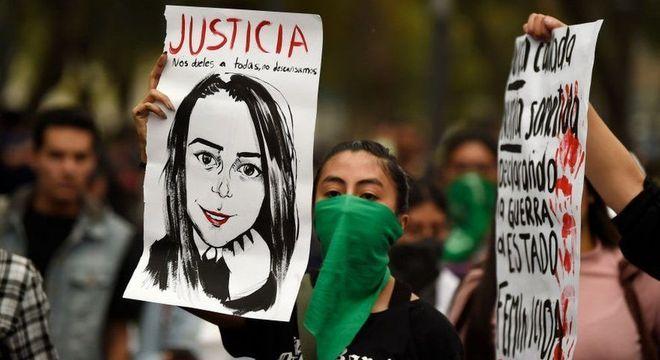 No México, dez mulheres são assassinadas por dia