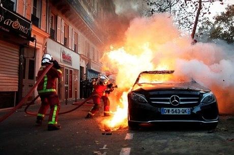 Paris registrou atos de vandalismo
