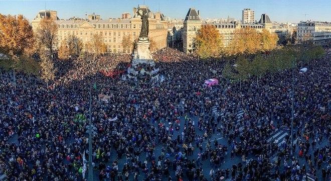Organizadores falam em 500 mil participantes em todo o país