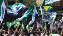 Manifestantes protestam na avenida Paulista neste domingo (12)