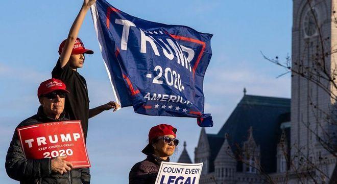 Milhares se reuniram em protestos a favor de Trump, em Washington