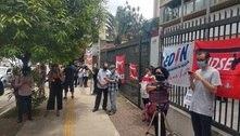 Educadores fazem manifestação contra aulas presenciais em SP