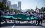 A liminar foi emitida pelo juiz Elisio Correa de Moraes Neto, da 23ª Vara do Trabalho do Rio de Janeiro, em ação civil pública proposta pelo Sindicato dos Professores do Município do Rio de Janeiro e Região (Sinpro-Rio) contra o governo e dois sindicatos patronais