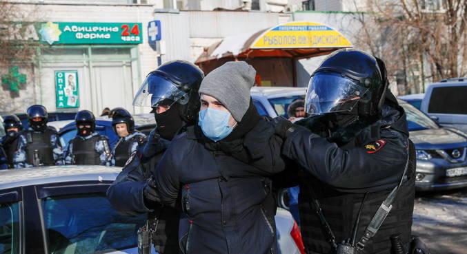 Mais de 230 pessoas foram presas durante protestos na Rússia