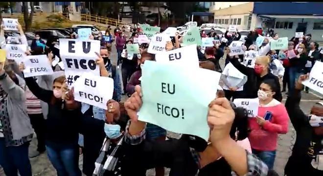 Manifestação reuniu cerca de 400 trabalhadores, segundo sindicato