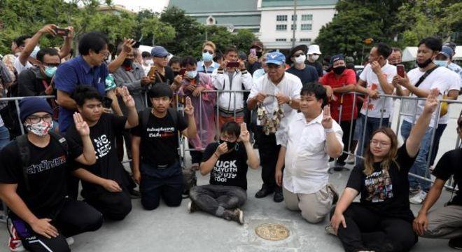 Manifestação contra o palácio da Tailândia