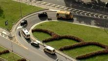Motoristas de vans escolares protestam por benefícios em SP