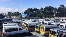 Motoristas de vans protestam por auxílio emergencial em Santo André
