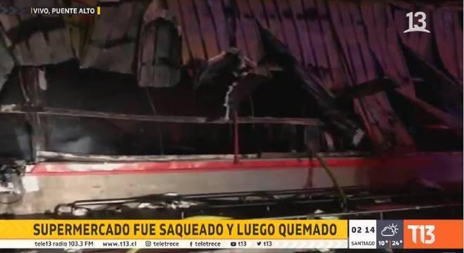 Canal local mostra imagens do mercado onde três pessoas morreram