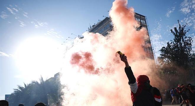 Protestos continuaram em Santiago e outras cidades nesta sexta (1º)