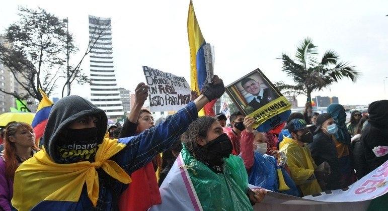 Colombianos voltaram às ruas para protestar contra o presidente Iván Duque