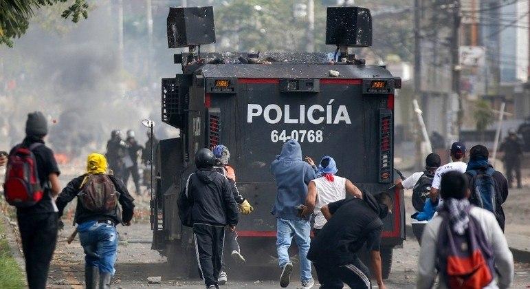 Pelo menos  50 pessoas já morreram durante as manifestações