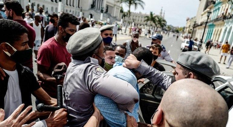 ONGs de direitos humanos pedem a liberdade de presos em manifestações em Cuba
