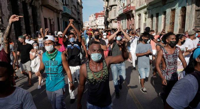 Nos protestos, cidadãos pediam a saída do presidente