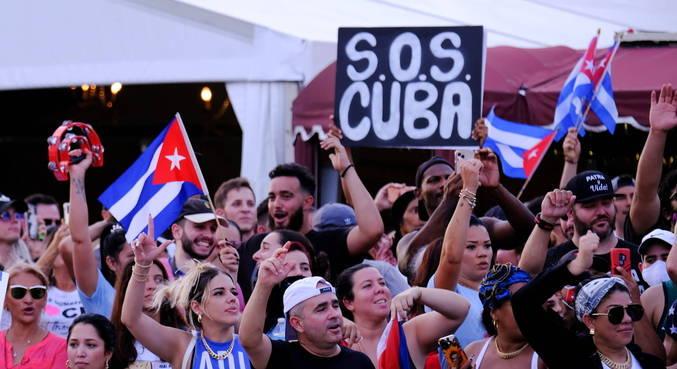 Opositores e jornalistas foram presos durante protestos em Cuba