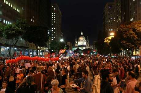 Manifestantes foram para as ruas no centro do Rio