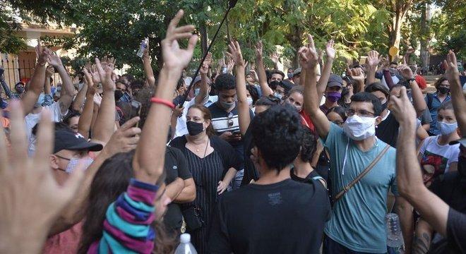 Centenas de ativistas e intelectuais fizeram protestos sem precedentes em novembro passado na sede do Ministério da Cultura de Cuba