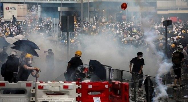 Protestos contra lei de extradições em Hong Kong levaram milhares às ruas