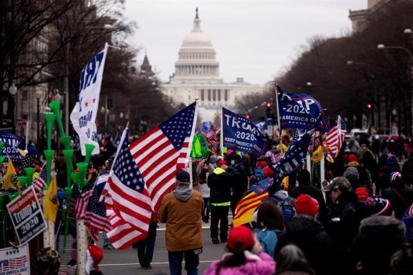 Apoiadores do presidente Donald Trump invadem o Congresso dos EUA - Fotos - R7 Internacional