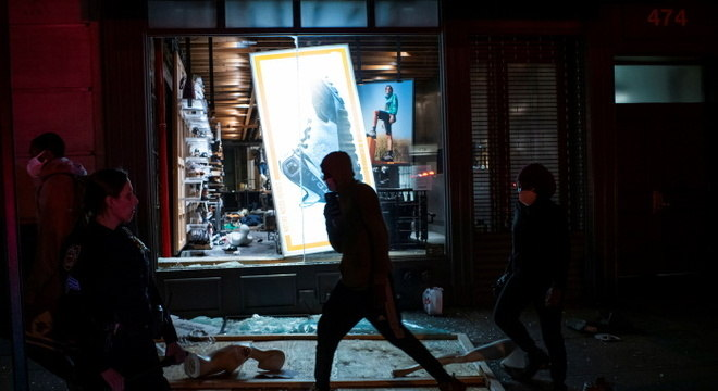 Saque em NY: conta falsa pregava violência 'em bairros brancos'