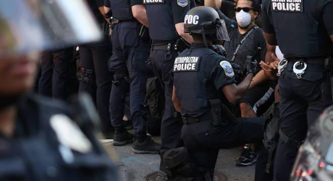 Pesquisa nos EUA mostrou que maioria é contra retirar recursos da polícia