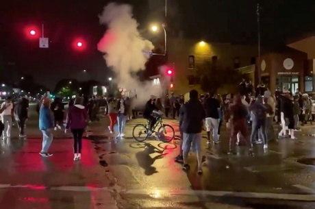 Polícia dispersou manifestação com bombas